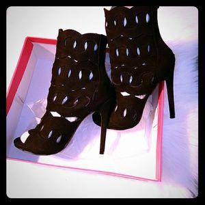 New ShoeDazzle Stiletto